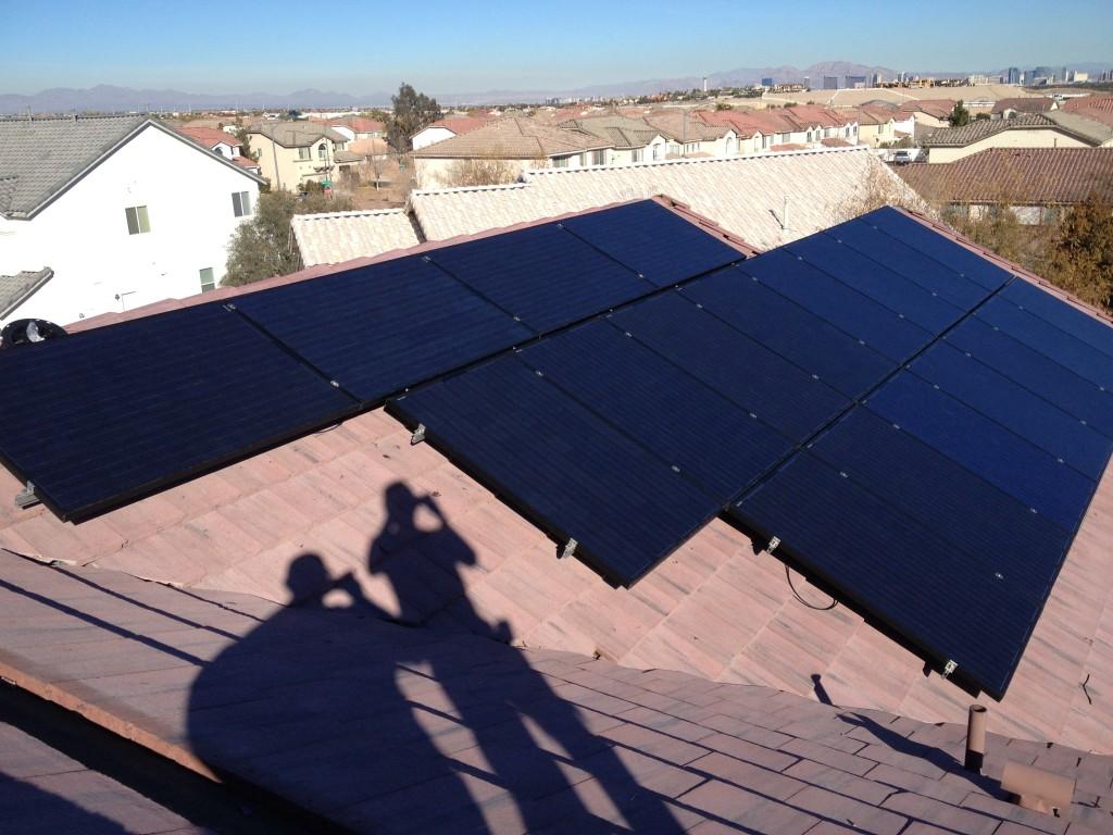 DeLuna Solar Panels